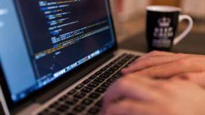 برای ساخت بازی کدام زبان برنامهنویسی مناسبتر است؟