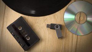 مروری بر دستگاههای مختلف پخش موسیقی در طول تاریخ
