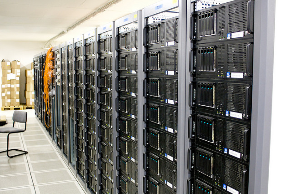 مروری کوتاه بر تاریخچه ذخیرهسازی اطلاعات از دیروز تا امروز