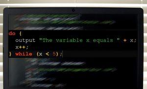 حلقههای Do-While چه کارکردی در برنامهنویسی رایانه دارند — از صفر تا صد