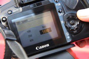 تنظیمات ISO دوربین چیست — یک راهنما به زبان ساده