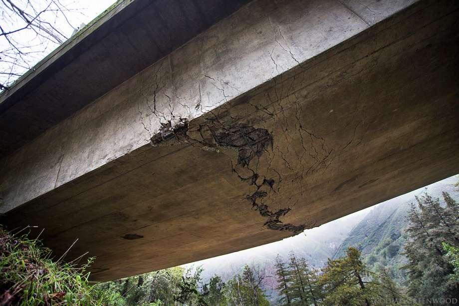 تصویر گسترش شکستگی در یک پل