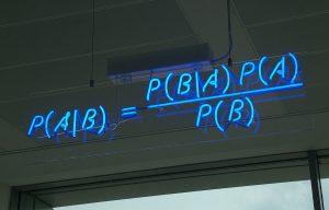 قضیه بیز (Bayes Theorem) در احتمال شرطی و کاربردهای آن (+دانلود فیلم آموزش رایگان)