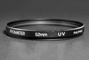 فیلتر UV چیست و آیا برای حفاظت از لنز دوربین به آن نیاز دارید؟