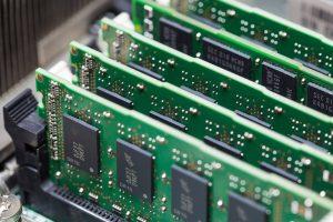 مدیریت حافظه در سیستم عامل — راهنمای جامع