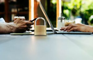 HSTS چیست و چگونه از HTTPS در برابر هکرها محافظت میکند؟
