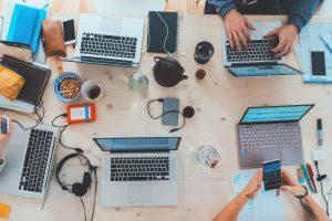مقدمهای بر API-های وب — راهنمای جامع