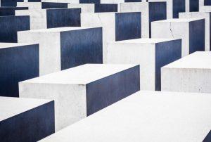 چگونه یک پایگاه داده مناسب انتخاب کنیم؟ — راهنمای مقدماتی