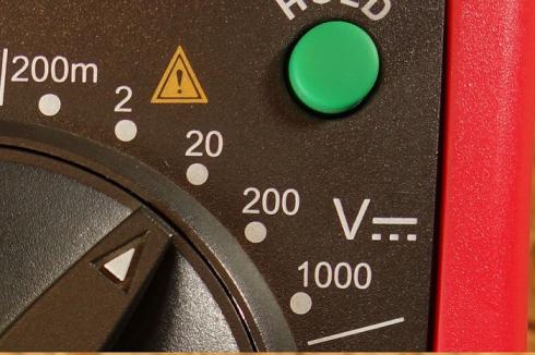 اندازهگیری ولتاژ DC