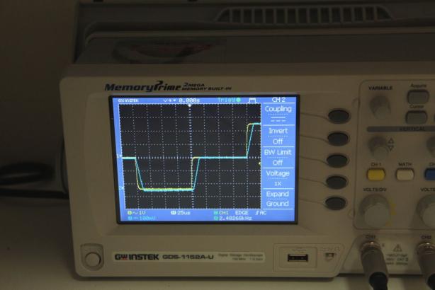 تاخیر در ولتاژ خروجی در مقایسه با ولتاژ ورودی