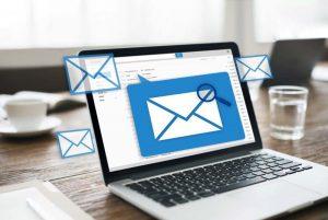 مدیریت چندین صندوق ایمیل در Outlook — به زبان ساده