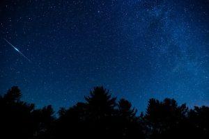 انعکاس نور از ماهواره ها — تصویر نجومی روز
