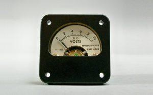 ولت متر چیست؟ — به زبان ساده