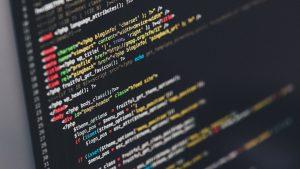 اشتباه های رایج کدنویسی که باید از آن ها اجتناب کرد — راهنمای کاربردی