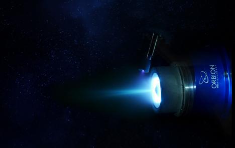 نیروی پیشران پلاسما در یک ماهواره مخابراتی کوچک
