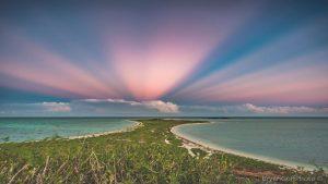 پرتوهای پادشفقی بر فراز فلوریدا — تصویر نجومی روز