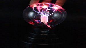 لامپ پلاسمای ۲۰۰۰ وات — ویدیوی علمی