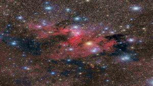 نور، تاریکی و غبار — تصویر نجومی روز