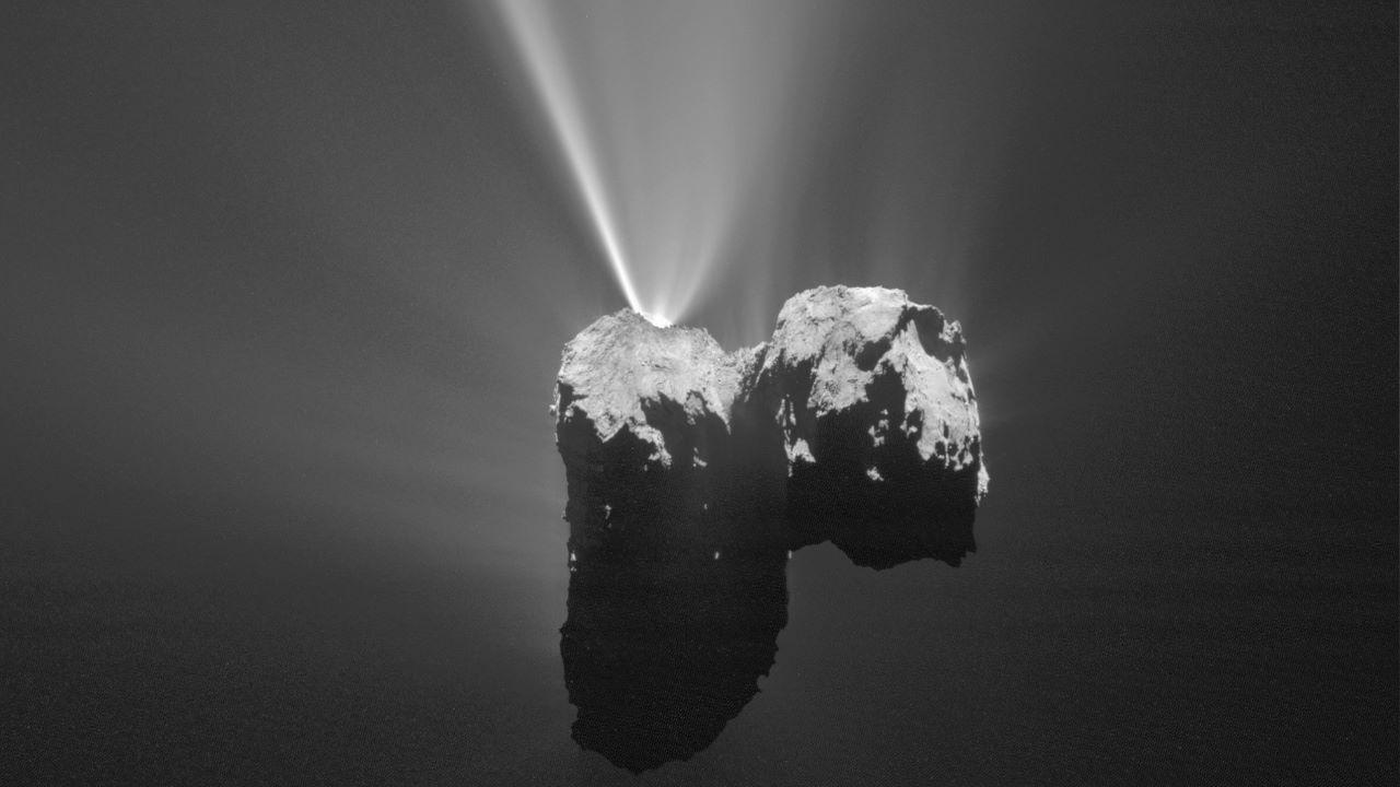 بارش برف روی دنباله دار ۶۷ پی — تصویر نجومی روز