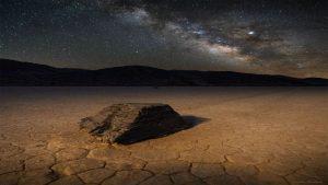 حرکت سنگ ها در دره مرگ — تصویر نجومی روز