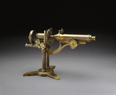 اولین میکروسکوپ