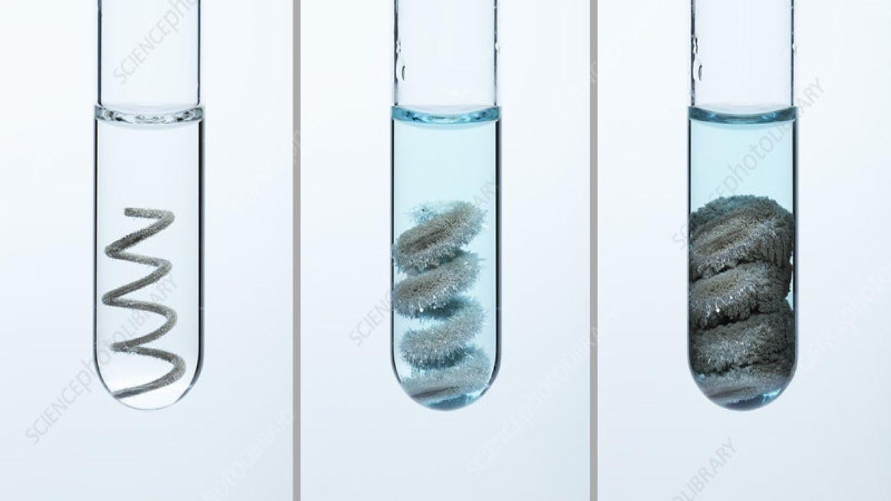 واکنش مس با محلول نقره نیترات — ویدیوی علمی