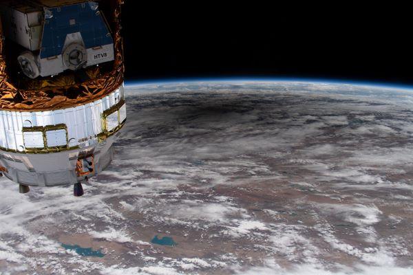 خورشیدگرفتگی زیر ایستگاه فضایی بین المللی