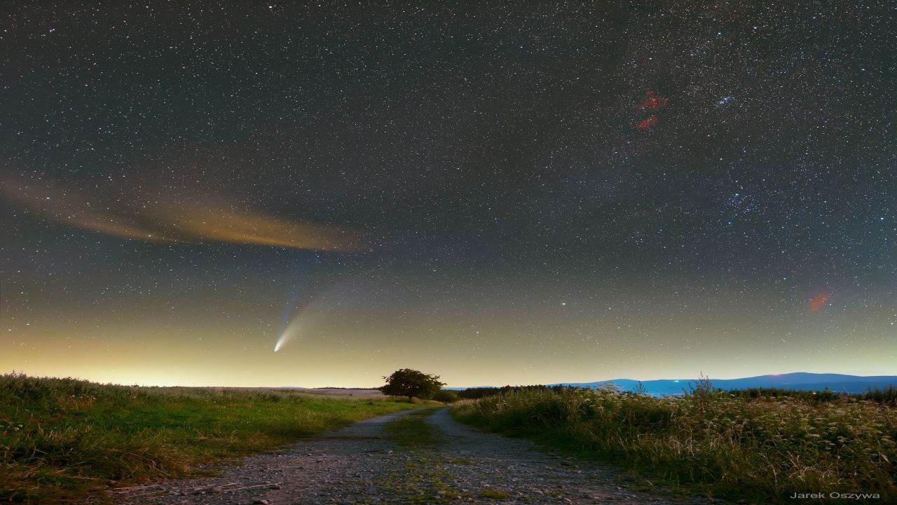 دنباله دار نئووایز و سحابی ها — تصویر نجومی روز