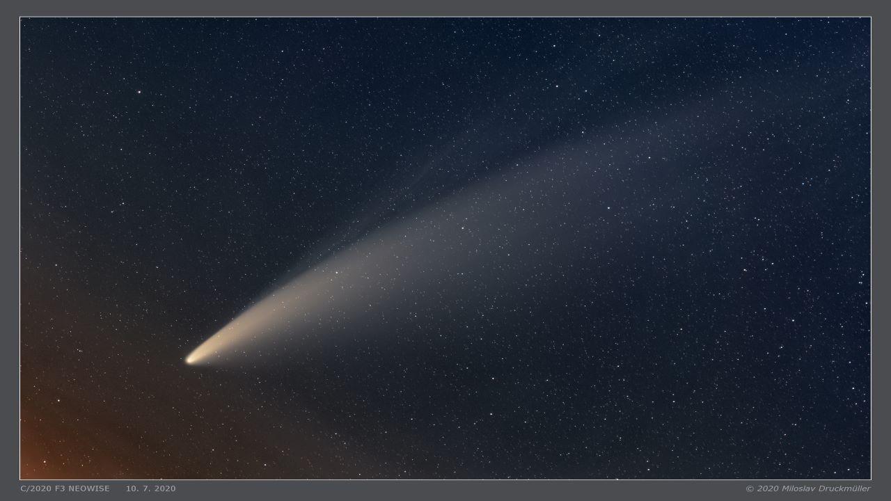 طلوع دنباله دار نئووایز بر فراز دریای آدریاتیک — تصویر نجومی روز