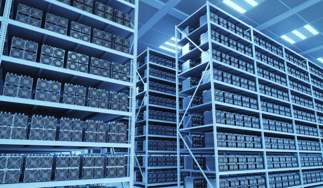 دستگاه ماینر بیت کوین چیست و چگونه کار می کند؟ | گام به گام و به زبان ساده
