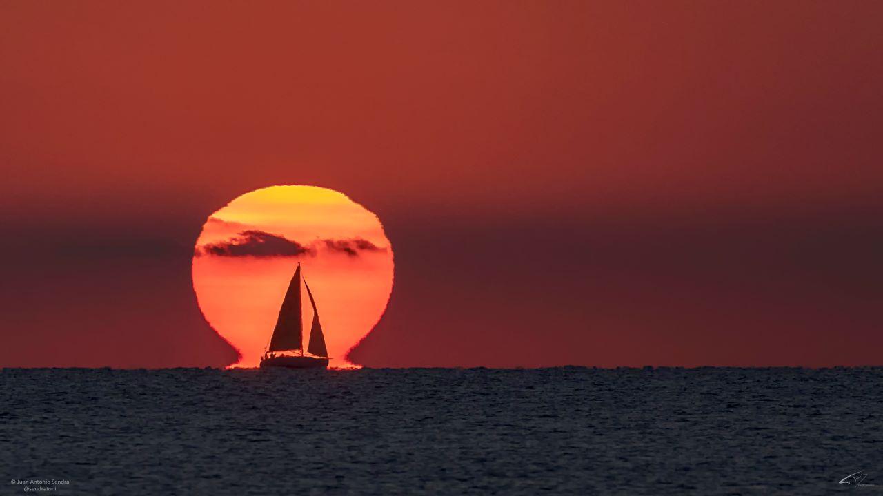 طلوع خورشید بر فراز دریای مدیترانه — تصویر نجومی