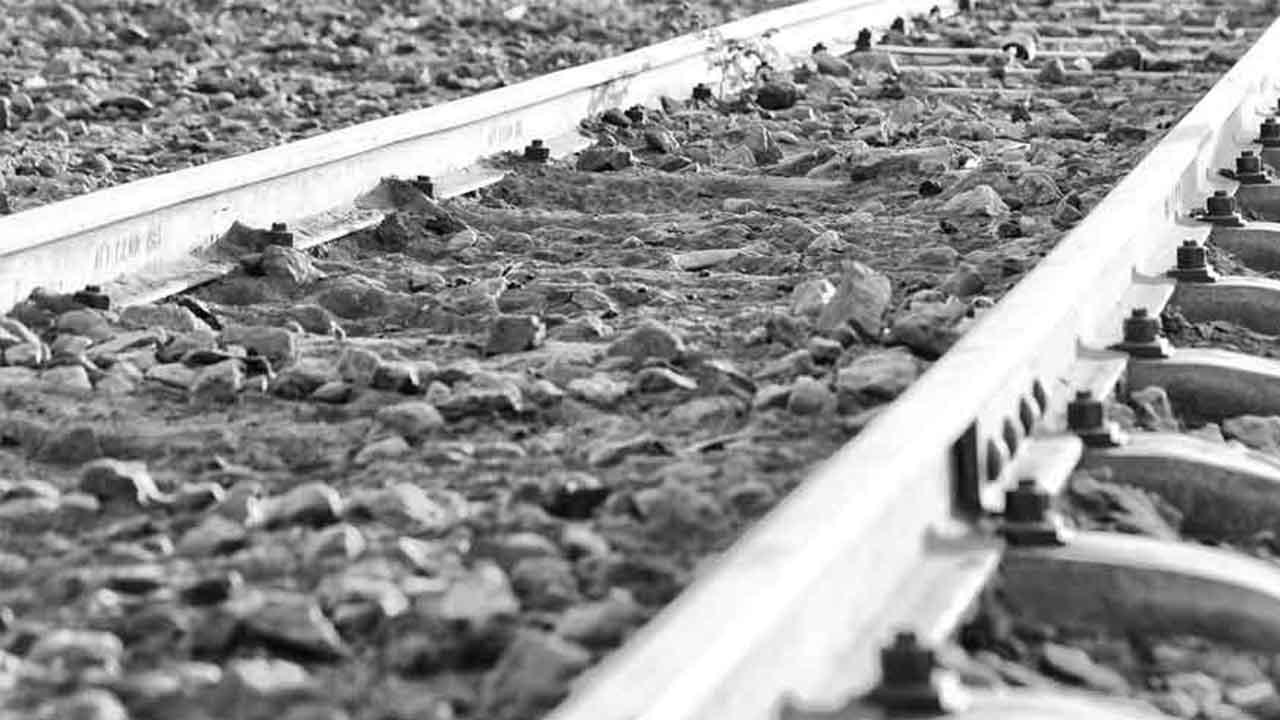 رشته مهندسی راه آهن | معرفی گرایش ها، حقوق و درآمد و بازار کار
