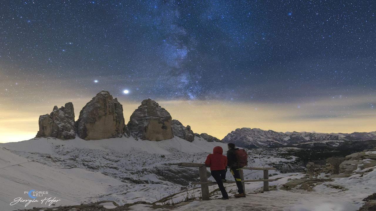 مشتری و زحل بر فراز قله های ایتالیا — تصویر نجومی