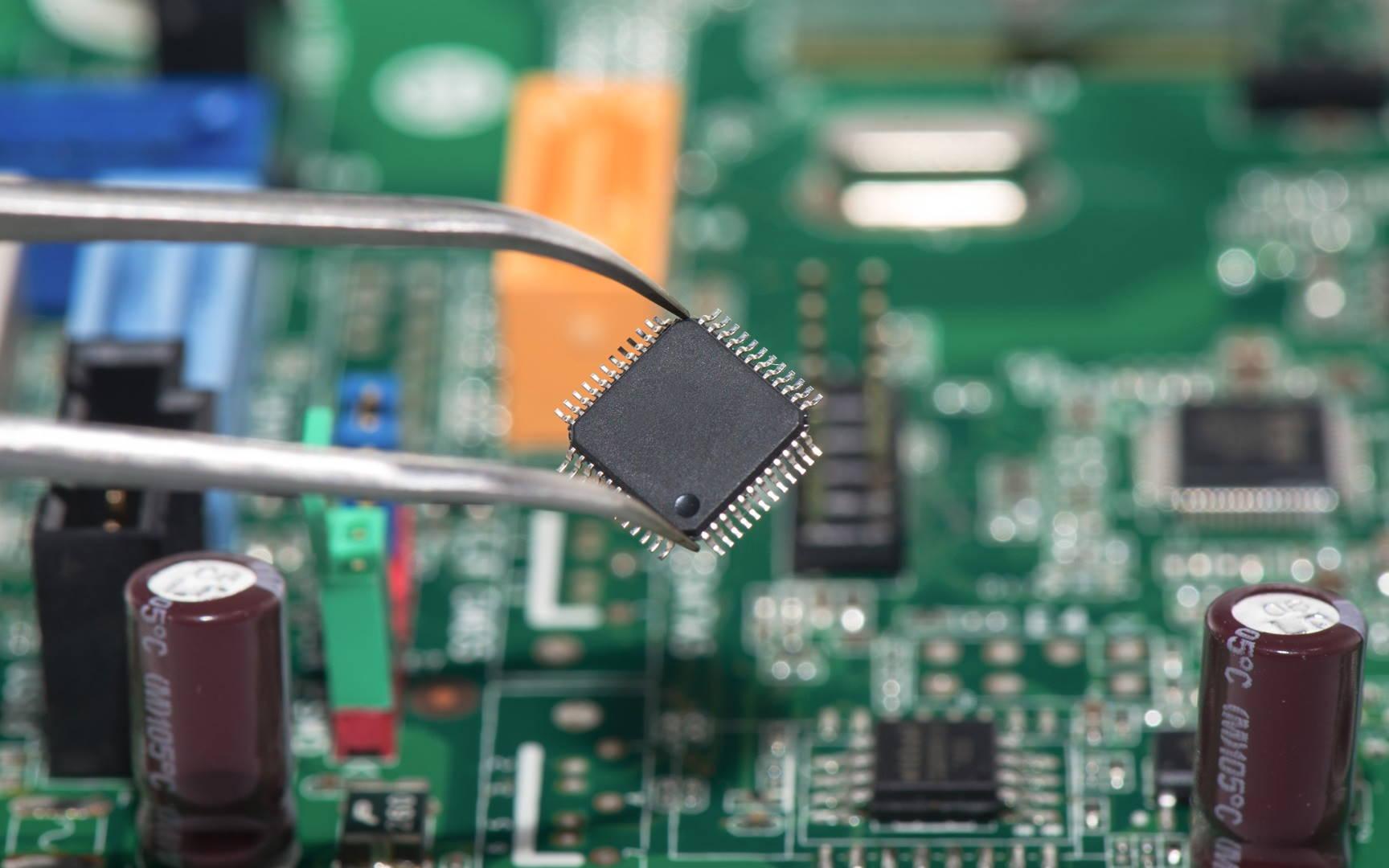 چیپ (Chip) چیست ؟ — آشنایی با تراشه الکترونیکی | به زبان ساده