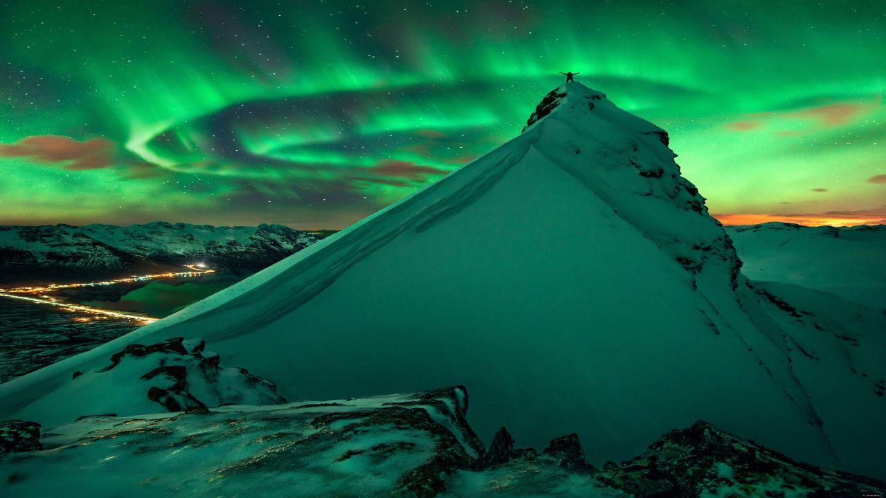 شفق قطبی بر فراز نروژ — تصویر نجومی