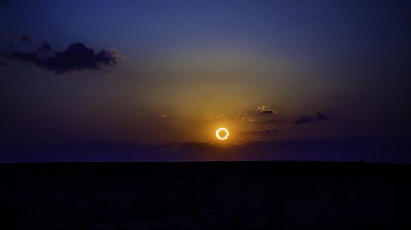 خورشید گرفتگی کامل