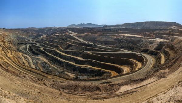 معدن سنگ آهن گل گهر، یکی از بزرگترین معادن آهن ایران واقع در سیرجان استان کرمان