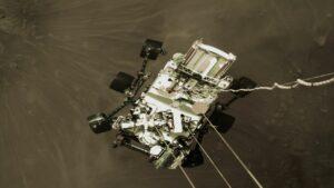 لحظه فرود مریخ نورد استقامت — تصویر نجومی