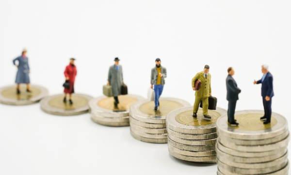 رابطه بین نرخ بهره و ثروت
