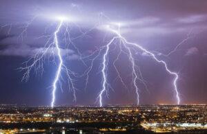 برق یا الکتریسیته چیست؟ — به زبان ساده