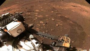 اولین حرکت مریخ نورد استقامت — تصویر نجومی