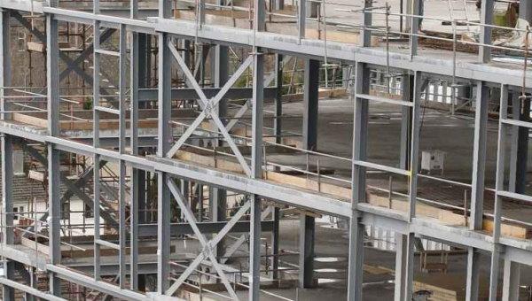 نمونهای از یک سازه فولادی متشکل از المانهای فولادی