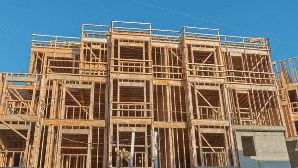 سازه با اسکلت چوبی و بادبند چوبی
