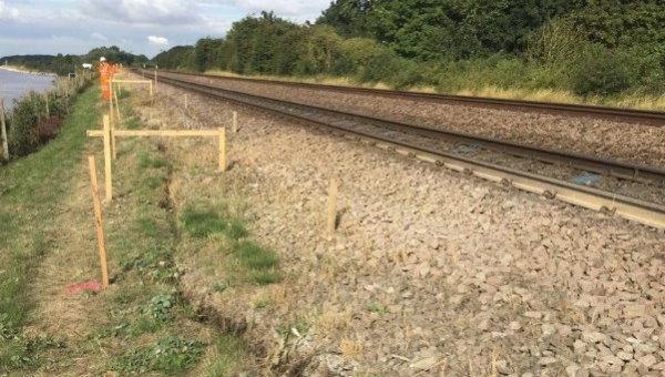 خاکریز راه آهن