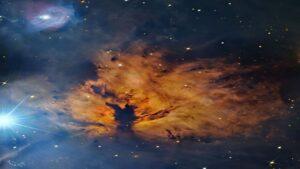 سحابی شعله و ستاره نطاق — تصویر نجومی