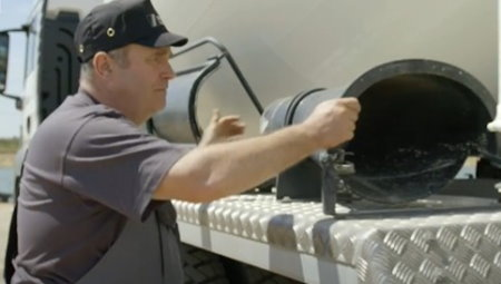 تعمیر و نگهداری کامیون میکسر بتن 1