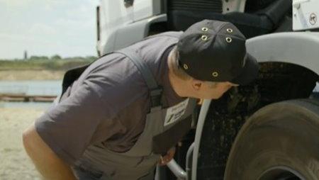 تعمیر و نگهداری کامیون میکسر بتن ۵