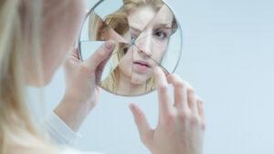 اختلال شخصیت تجزیه ای چیست ؟ | هر آنچه باید بدانید — به زبان ساده