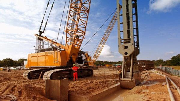 نمونهای از تجهیزات مورد استفاده برای حفر محل پنلهای دیوار دیافراگمی