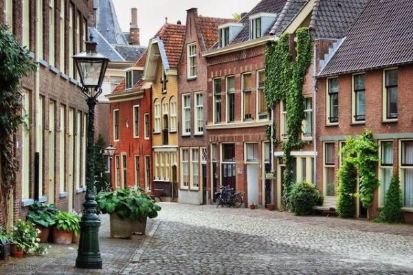 دکارت و زندگی در هلند